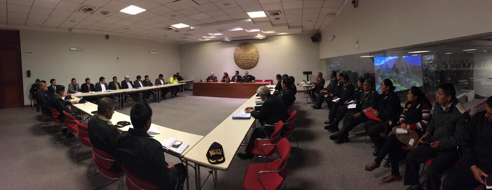 MUNICIPALIDADES DE LA PROVINCIA DEL CUSCO Y LA POLICÍA NACIONAL DEL PERÚ PLANIFICAN ACCIONES  PARA COMBATIR LA INSEGURIDAD CIUDADANA EN LA CIUDAD.
