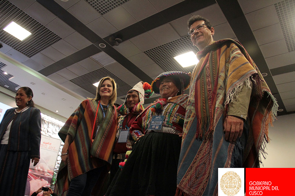 JEFA DEL GABINETE MERCEDES ARÁOZ Y ALCALDE CARLOS MOSCOSO CLAUSURAN EVENTO «TINKUY» 2017 EN EL PALACIO MUNICIPAL.
