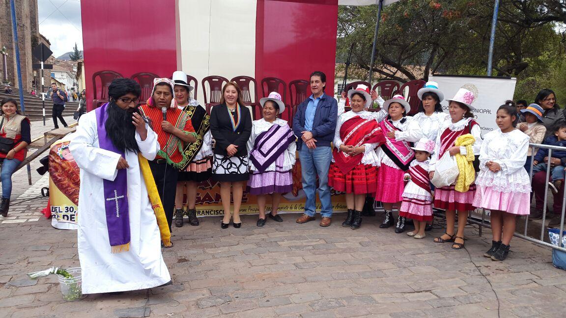 """MUNICIPALIDAD DEL CUSCO PROMUEVE LAS COSTUMBRES TRADICIONALES DE """"TODOSANTOS"""" CON EL """"FESTIVAL DE T'ANTA WAWA"""""""